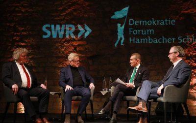Neustadt: Über 200 Gäste bei Demokratie-Forum mit Michel Friedman